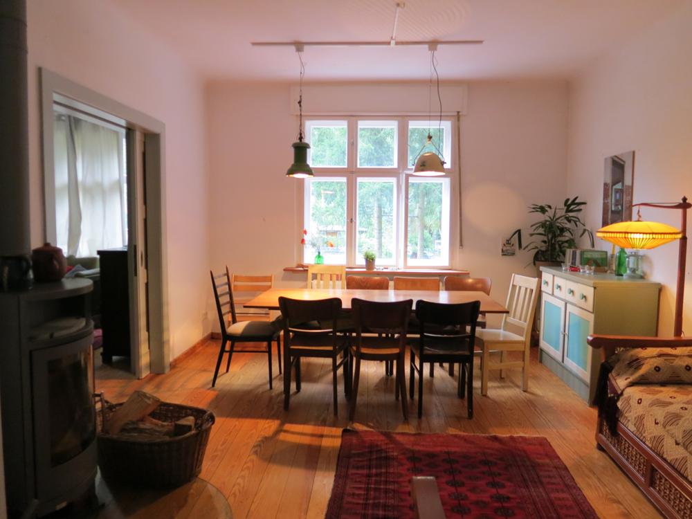 kleine villa am see haus. Black Bedroom Furniture Sets. Home Design Ideas